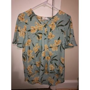 Charming Charlie Floral Layered S Blouse